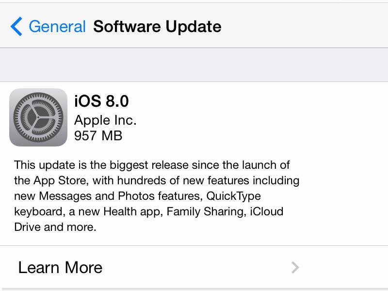 Apple iOS 8 trafił niemal do połowy urządzeń