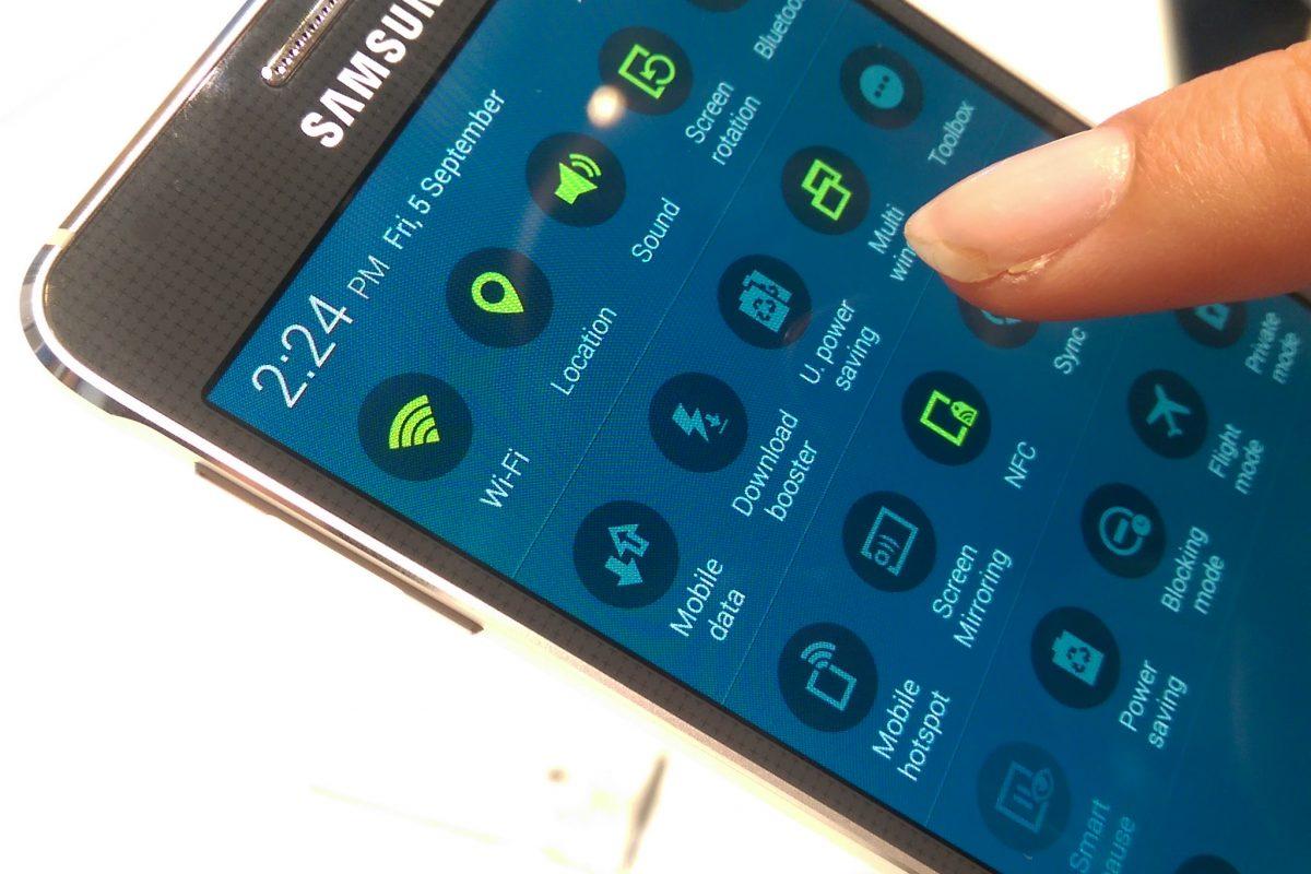 Samsung zarabia na smartfonach coraz mniej