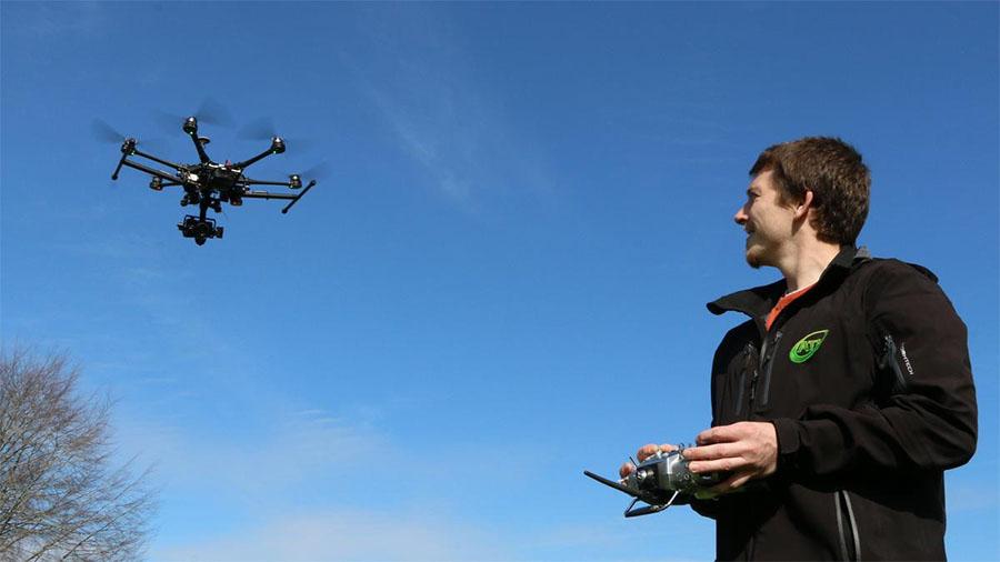 Dostałeś dron pod choinkę? Pomyśl o ubezpieczeniu…