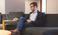 Czy warto rejestrować więcej niż jedną domenę dla firmy?