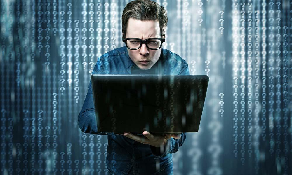 Młodszy programista – początek kariery w branży IT