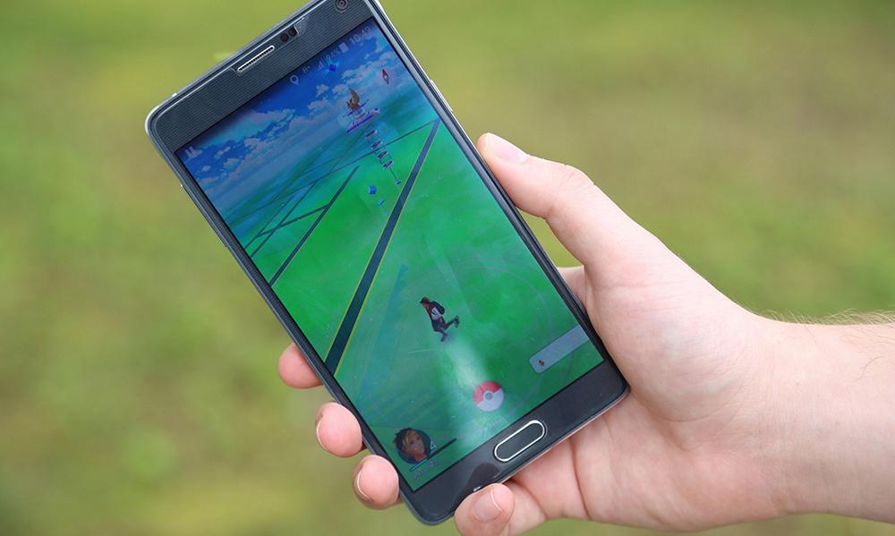 Z telefonu do portfela. Jak zarobić na Pokémon GO i innych aplikacjach?