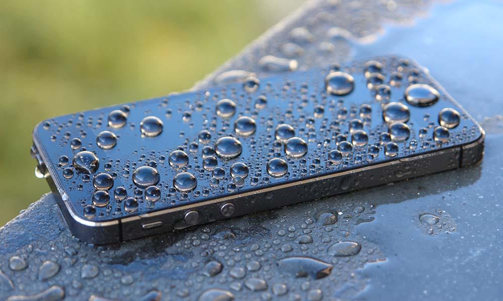 Czy warto oddać iPhone do autoryzowanego serwisu?