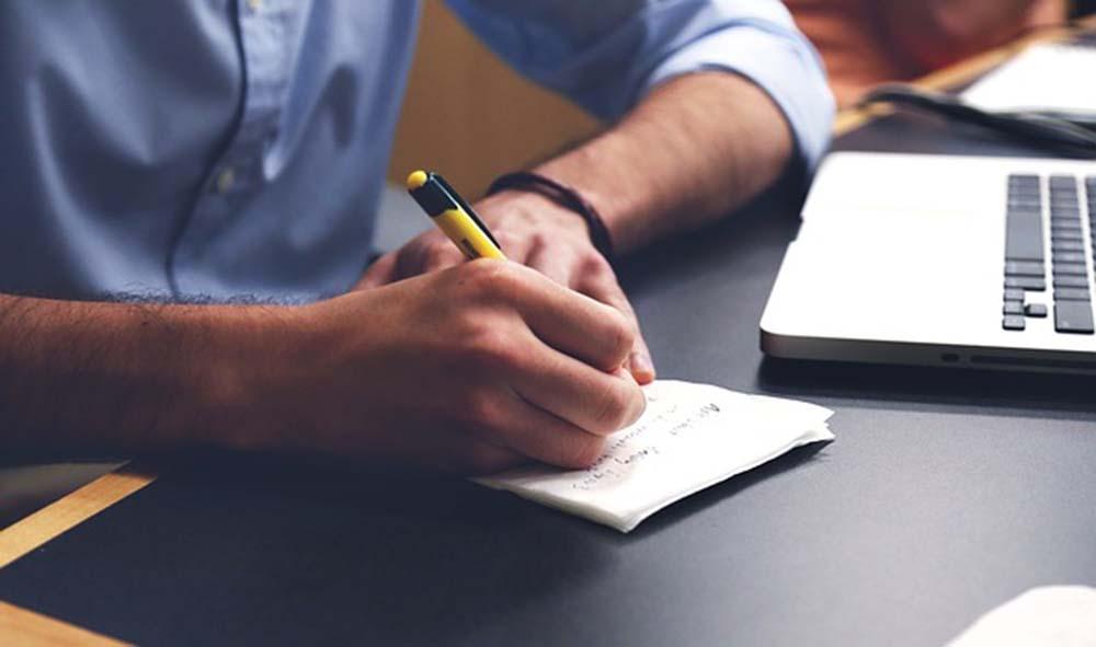 Kiedy warto zlecić prowadzenie księgowości biurom rachunkowym?