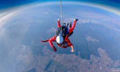 Skok spadochronowy w prezencie gwiazdkowym