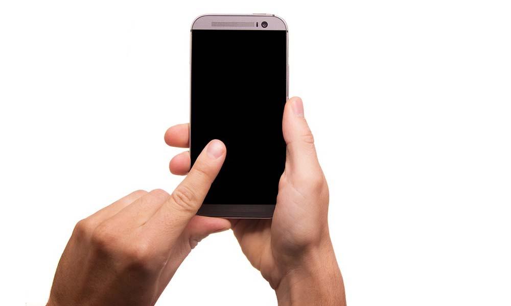 Ubezpieczenia smartfonów kupowane coraz częściej