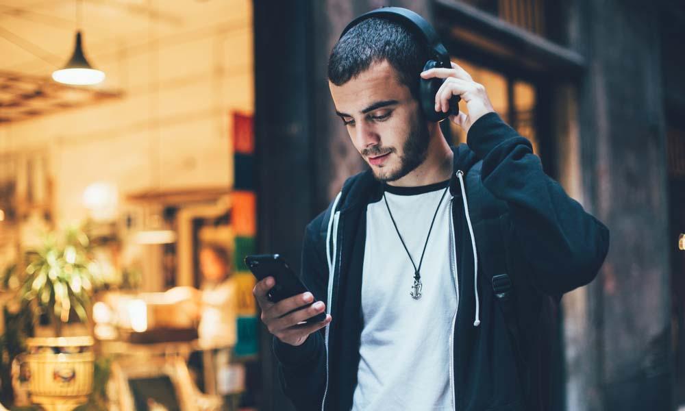 Słuchawki bezprzewodowe – czy rzeczywiście warto?