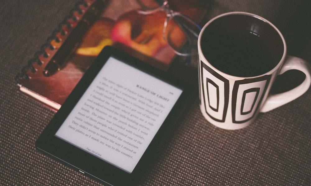 Dlaczego warto wybrać ebooki zamiast tradycyjnych książek?