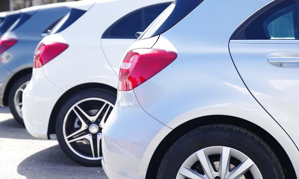 Samochody poleasingowe – czy warto takie kupić?