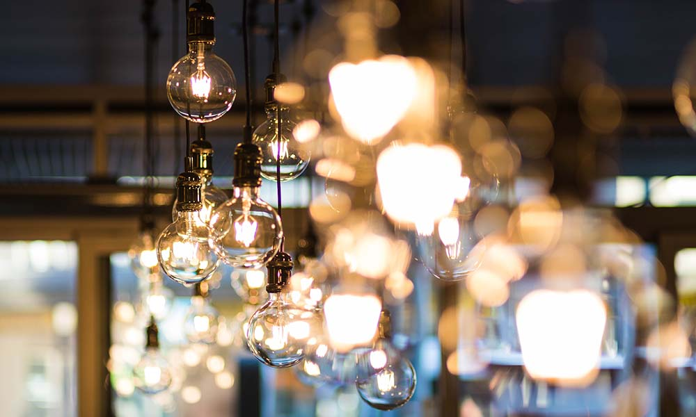 Oświetlenie sterowane telefonem – czy watro w nie inwestować?