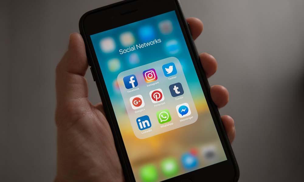 Przegląd komunikatorów na telefonie komórkowym