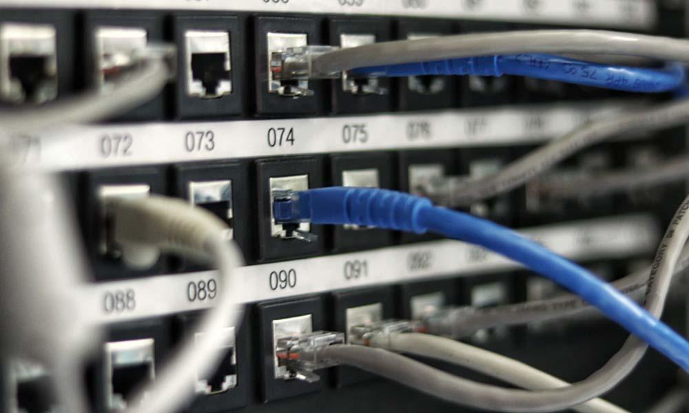 Na co zwrócić uwagę, decydując się na hosting serwerów?