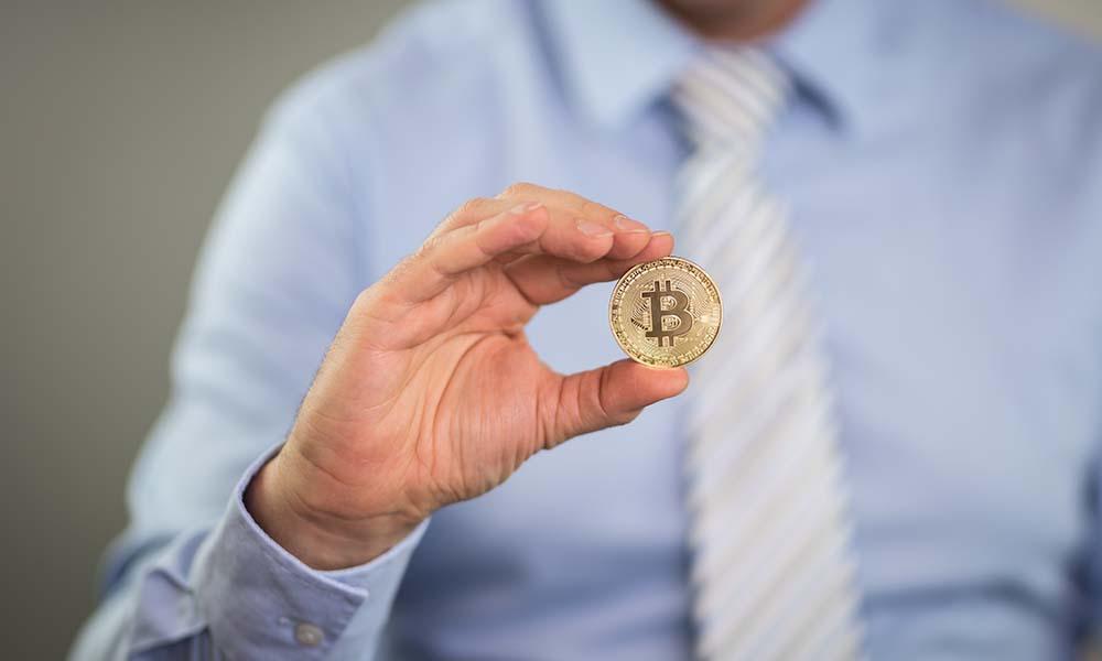 Kryptowaluty – warto czy lepiej się wstrzymać? Co powinniśmy wiedzieć o tych wirtualnych pieniądzach?