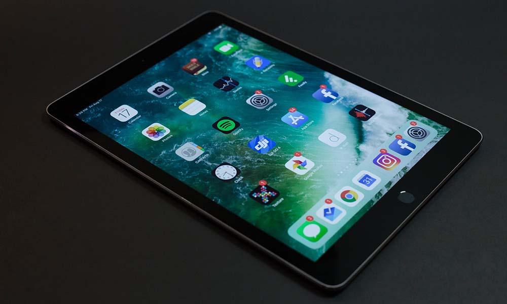 Czy mój iPhone potrzebuje etui Apple? Rozwiewamy wątpliwości!