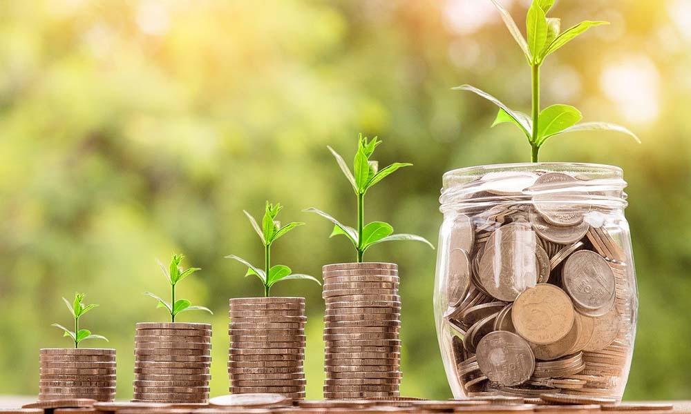 Gdzie najlepiej zaciągnąć kredyt gotówkowy – w banku czy w firmie?