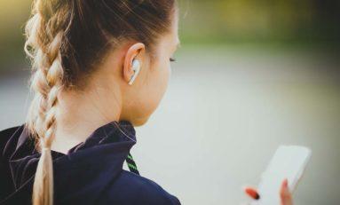 Dlaczego warto kupić słuchawki bezprzewodowe? Jakie wybrać?