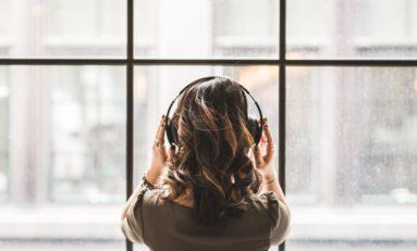 Najlepsze słuchawki bezprzewodowe. 3 elementy, które warto sprawdzić przed zakupem