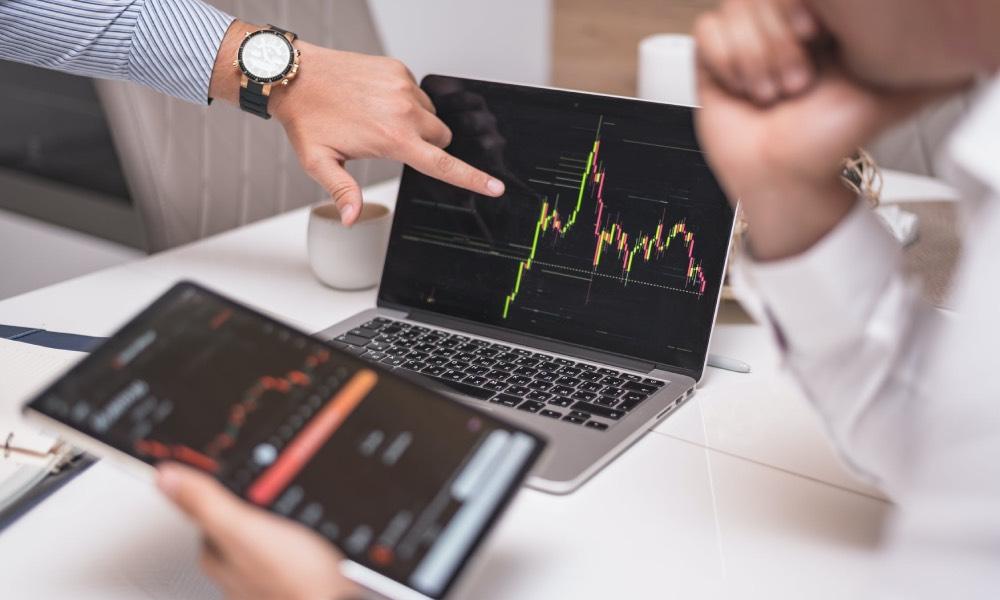 Auction Market Theory jako alternatywny sposób gry na giełdzie