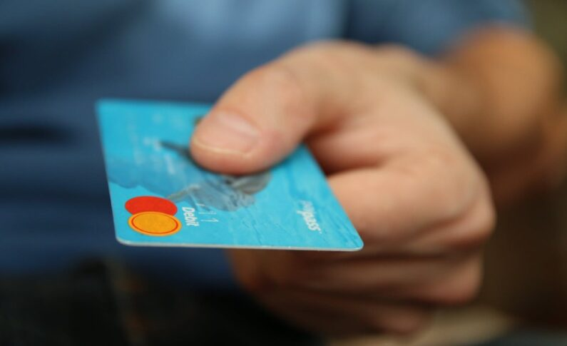 Jakie są rodzaje kredytów i na co zwrócić uwagę przy ich wyborze?