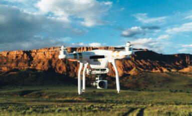 Czy warto nauczyć się pilotowania drona?
